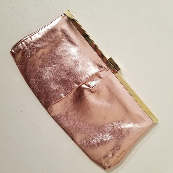 Michael Kors Handbags - Michael Kors Very Hollywood Clutch Rose Gold C9